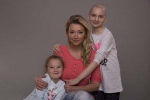 Martyna 321 300x200 Karolinka zmaga się z rakiem o oczko