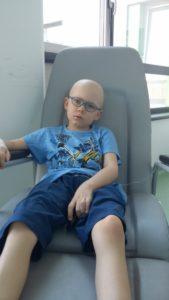 Chłopiec od dwóch lat choruje na białaczkę