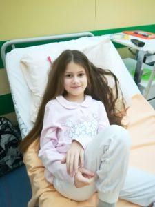Dziewczynka walczy z rakiem