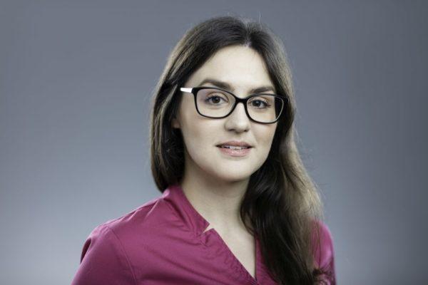 Adrianna Markiewicz-Popiel, Klinika Mentalna